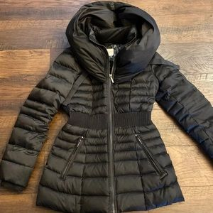 Pillowcollar hooded down puffer coat size XS